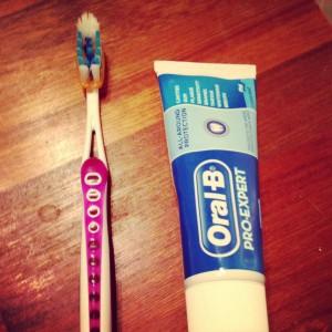 Buzzador tester tandbørste Oral-b tandpasta